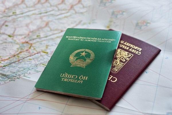chụp hình làm hộ chiếu