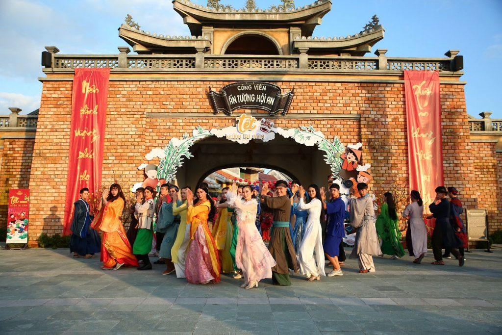 Sống ảo với view Trung Hoa ở Công viên Ấn tượng Hội An