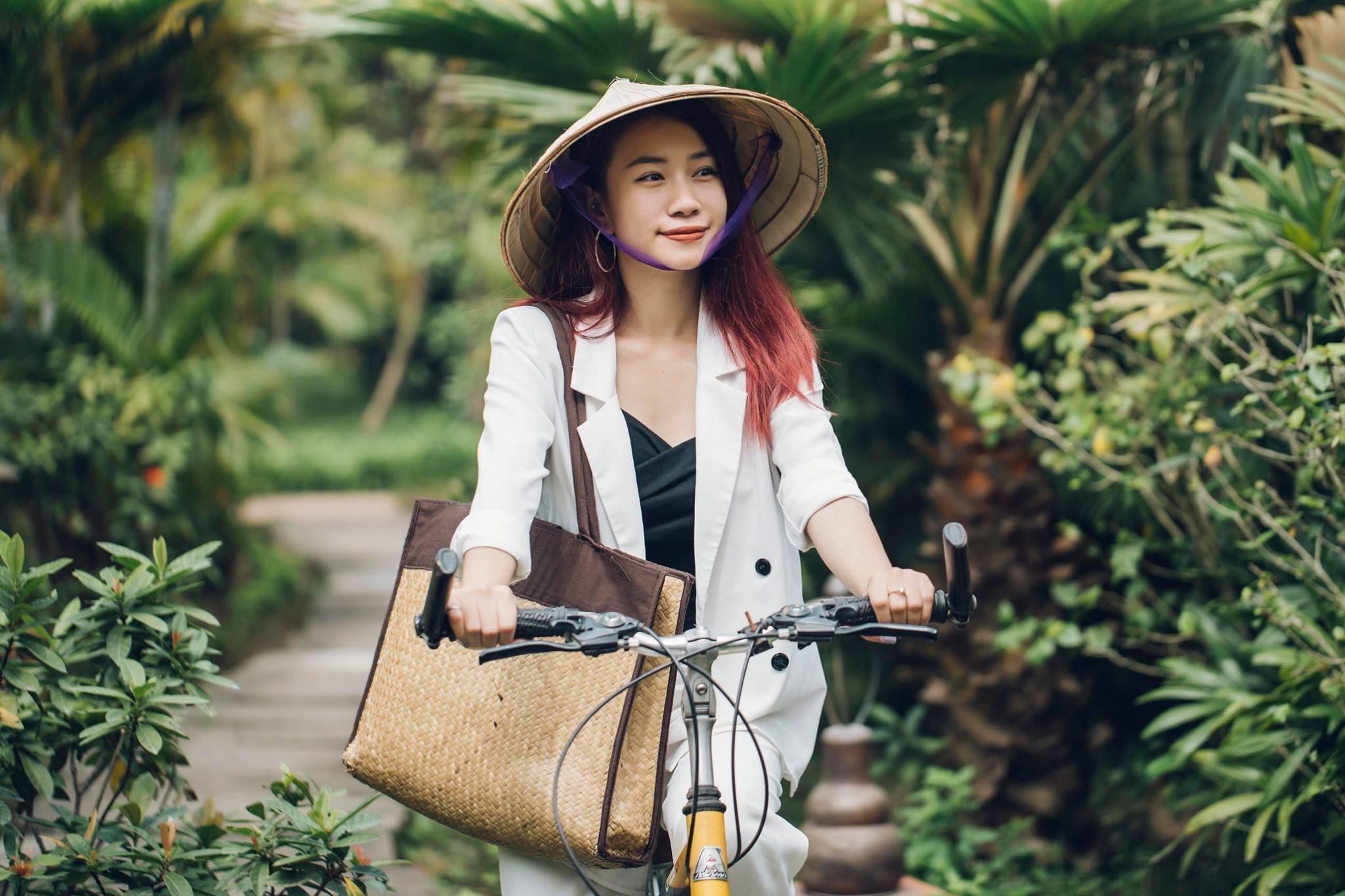 """Đạp xe khám phá """"ngôi làng xanh"""" Emeralda Resort & Spa Ninh Bình"""